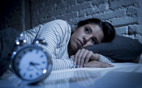 晚睡最伤身体健康 我们要养成早睡习惯