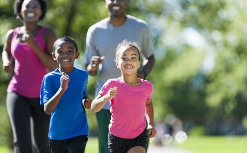 孩子长不高的原因 什么因素会影响孩子长高 孩子长高吃什么