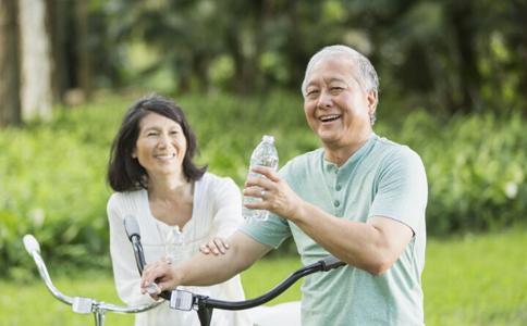 老人夏季如何补钙 老年人如何补钙 老年人补钙吃什么