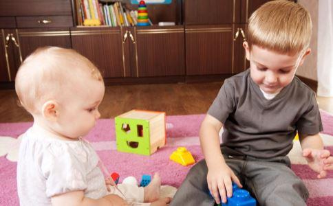 家长要注意 5种行为会让孩子长不高
