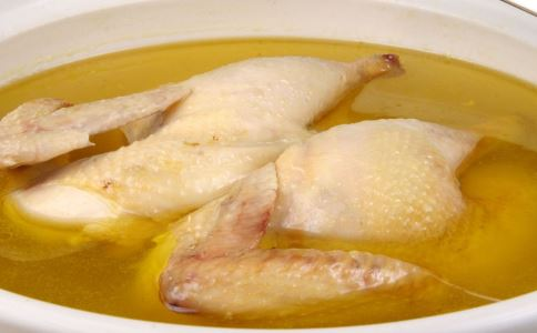 炖老母鸡汤 如何炖老母鸡汤 炖老母鸡汤的注意