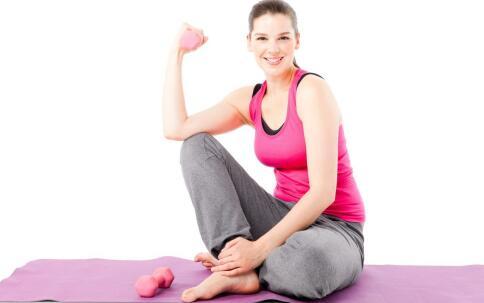 吃什么长胸肌 健身人群的膳食营养 如何锻炼长胸肌