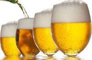 想要喝啤酒不伤身 这些时刻要注意
